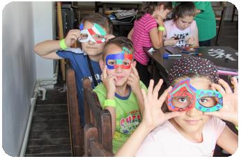 Atelier de Confectionat Mascute in Tabara de copii DIstractX